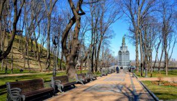 Прогулка по Владимирской горке в Киеве