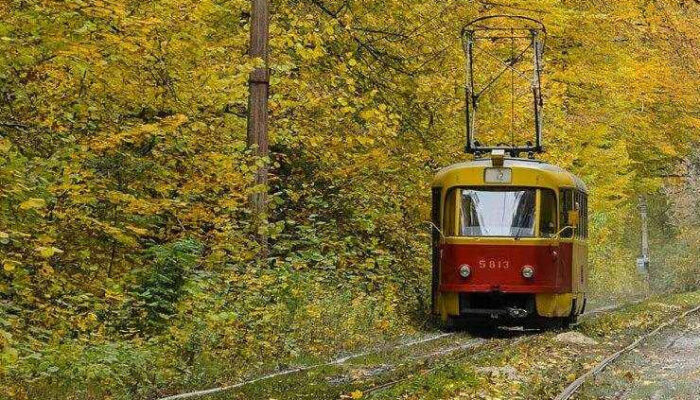Трамвай в Пущу-Водицу в Киеве