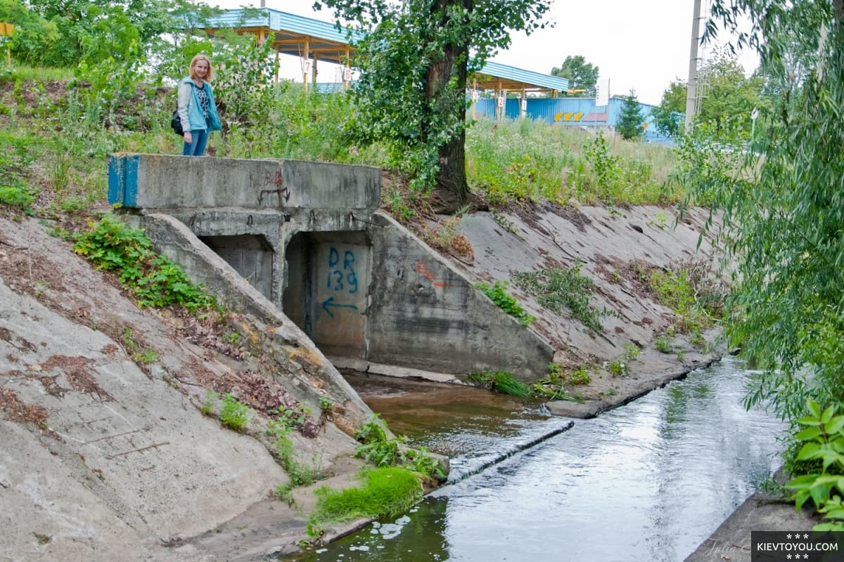Современный вид коллектора реки Почайна в Киеве
